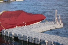 1000 Islands Docks Ltd. - Eastern Ontario - Residetial Floating Modular Dock Installation Single Boat Image