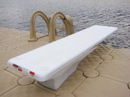 DIVING BOARD Image